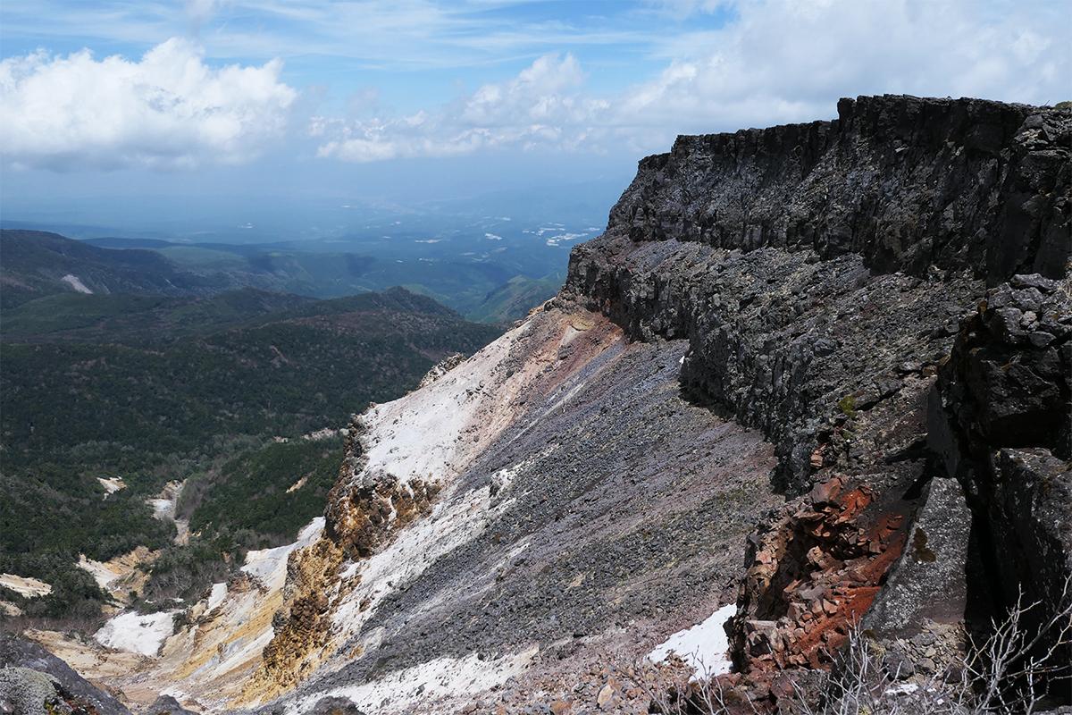 南八ヶ岳縦走1日目【硫黄岳の爆裂火口へ】