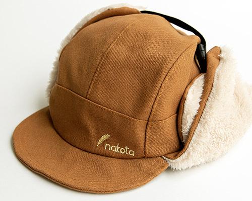 この帽子、実は販売する予定はありませんでした。僕の一言で・・・。